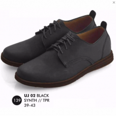 Everflow Sepatu Casual UJ02 Hitam No. 40